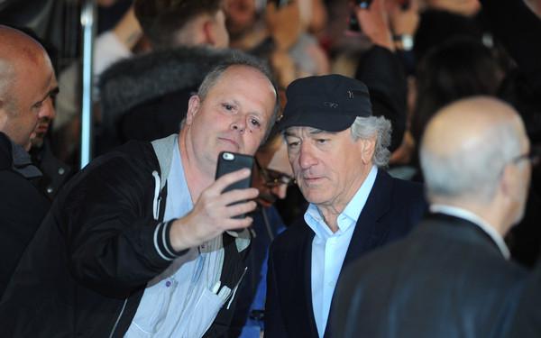 Robert+De+Niro+Intern+UK+Film+Premiere+Red+leniLweQJK7l