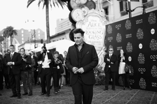 Johnny+Depp+Disney+Alice+Through+Looking+Glass+k62-XopXtl3l