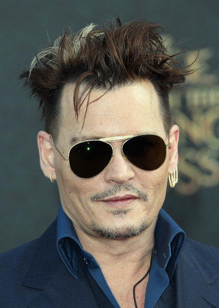 Johnny+Depp+Premiere+Disney+Alice+Through+2oa38TQ6SUVl