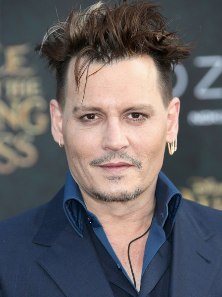 Johnny+Depp+Premiere+Disney+Alice+Through+mIk3rDfqX2Cl