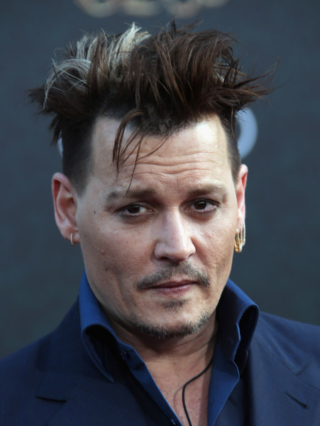 Johnny+Depp+Premiere+Disney+Alice+Through+tCz4VX4sSG2l