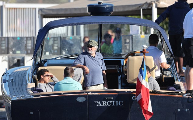 12 August 2016 - EXCLUSIVE. EXCLUSIVE / DO NOT CREDIT August 12, 2016 - Porto-Vecchio, FRANCE - Robert De Niro and family leave Corsica after yacht holidays. Credit: NO CREDIT   Ref: KGC-149/040176 **UK Sales Only - Exclusive - Papers Allrounder - Mags Double Space Rates - Web/Online Must Call Before Use** UK clients should be aware children's faces may need pixelating.