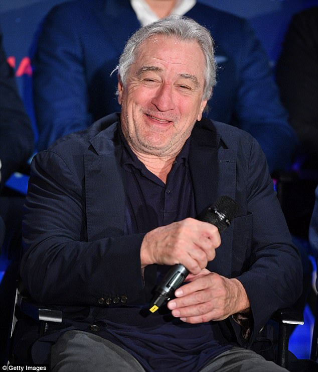 4377D86800000578-4814916-You_talkin_to_me_De_Niro_who_s_up_for_an_Emmy_next_month_was_sna-a-13_1503460453858
