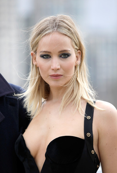 Jennifer+Lawrence+Red+Sparrow+Photocall+FxA4w7dukQ5l