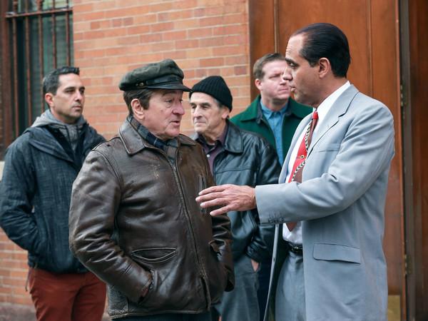 Robert+De+Niro+Robert+De+Niro+Set+Irishman+BwzmdyZl3lYl