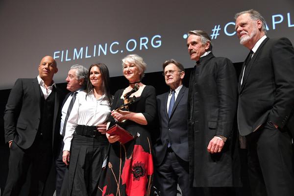 Robert+De+Niro+45th+Chaplin+Award+Gala+Show+2eT372RpT6Zl