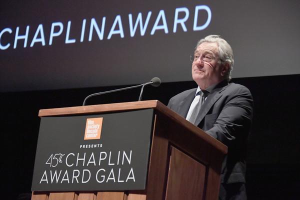 Robert+De+Niro+45th+Chaplin+Award+Gala+Show+N5ZjsD5_Wa-l