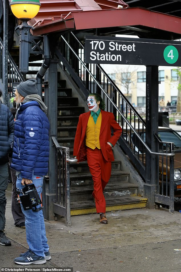 6363874-6404651-Subway_joker_The_movie_is_said_to_tell_an_original_standalone_st-a-129_1542606026685
