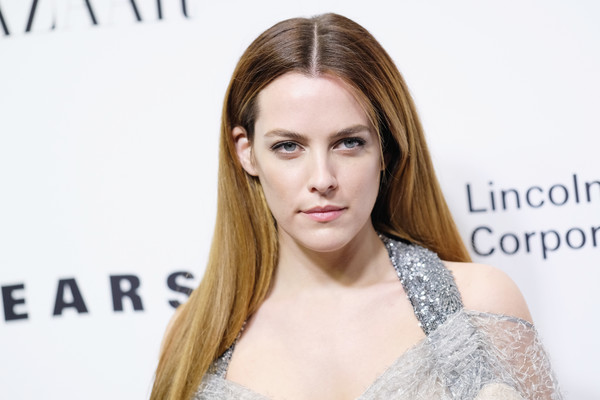 Riley+Keough+Evening+Honoring+Louis+Vuitton+XUEYyhAAib-l