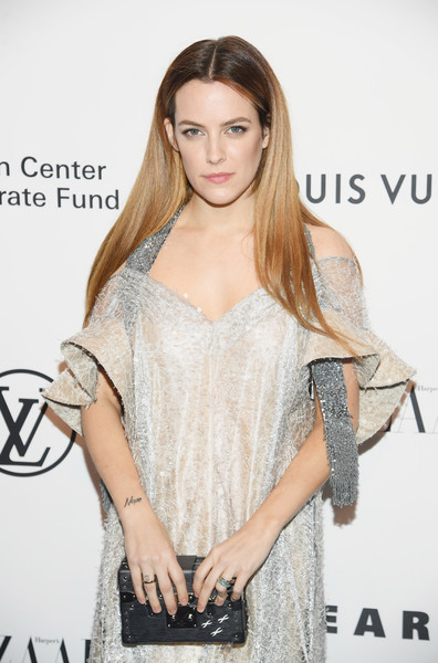 Riley+Keough+Evening+Honoring+Louis+Vuitton+wa8KoF_Wr7Kl