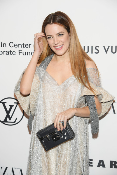 Riley+Keough+Evening+Honoring+Louis+Vuitton+yP3Pmk-lc5Pl