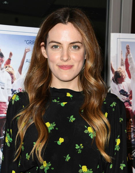 Riley+Keough+L+Premiere+Sony+Pictures+Classic+iOVW2kbApajl