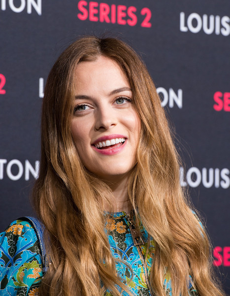 Riley+Keough+Louis+Vuitton+Series+2+Exhibition+IhRIPYbuVXIl