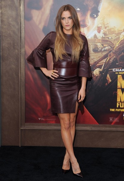 Riley+Keough+Mad+Max+Fury+Road+Premiere+Red+d5s_42JoEz_l
