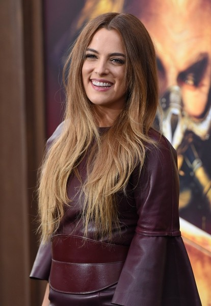 Riley+Keough+Mad+Max+Fury+Road+Premiere+Red+kXQ9iqOtP1rl