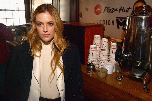 Riley+Keough+Pizza+Hut+Lounge+Park+City+9XMijmEQwmWl