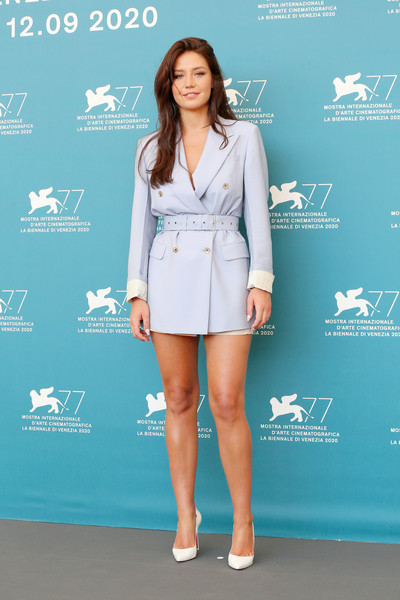 Adele+Exarchopoulos+Mandibules+Photocall+77th+YGES9Seh9TBl