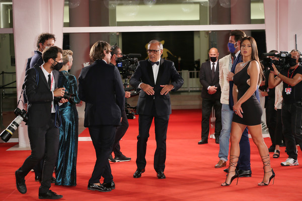 Adele+Exarchopoulos+Mandibules+Red+Carpet+fLPLx1c9Nubl
