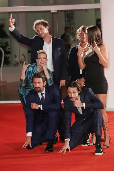 Adele+Exarchopoulos+Mandibules+Red+Carpet+iqGMpiWkIebl