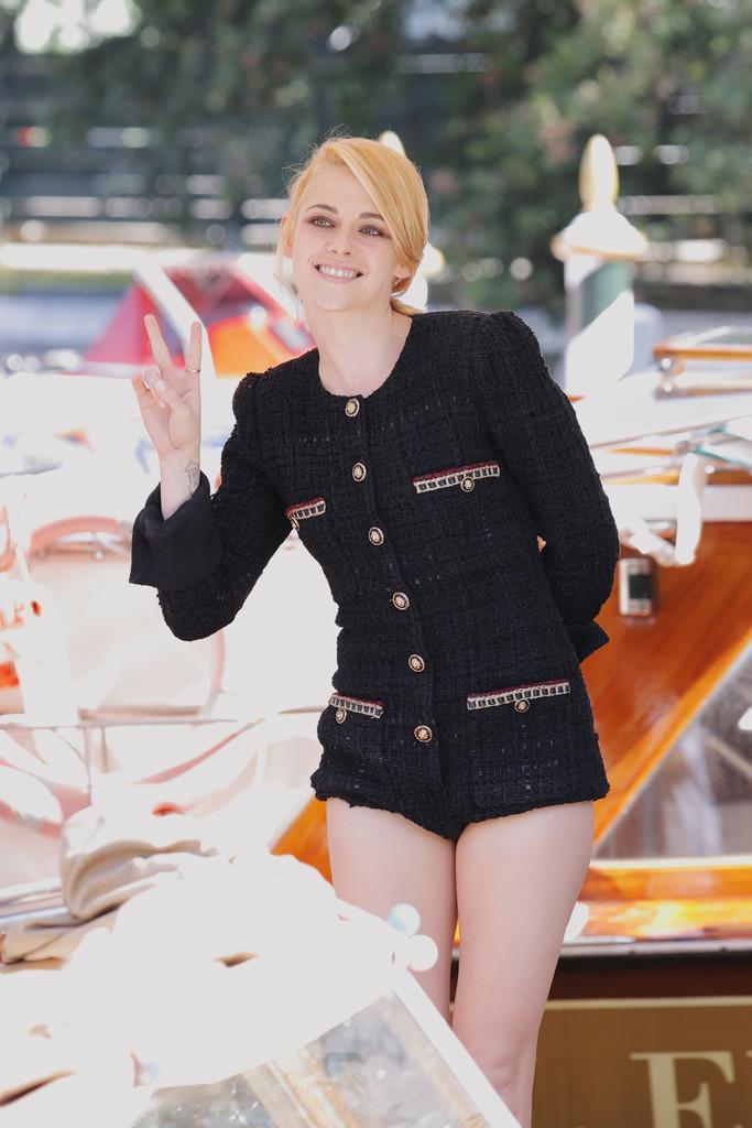 Kristen+Stewart+Celebrity+Sightings+Day+3+0pWBpBNFldUx